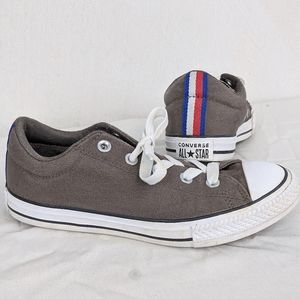 Size 4 Junior Unisex Gray Low Top Converse